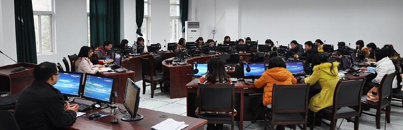 外国语学院同声传译室1.jpg