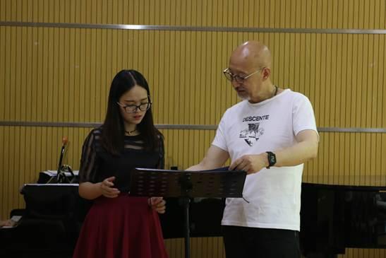 图为杨小勇教授现场指导 (3)