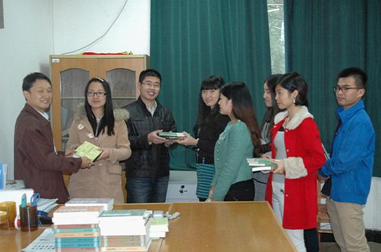 2010级汉语言文学专业毕业生向母